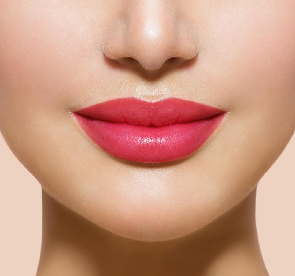Синтетические уста не в моде: в тренде натуральность