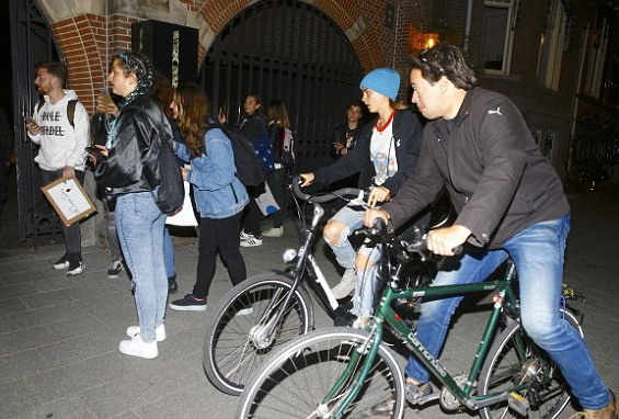 Рианна и Расправа Делевинь отдыхают в Амстердаме (ФОТО)