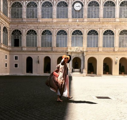 Беременная Ксюша Собчак отдыхает в Италии (ФОТО)