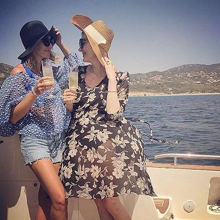 Возродившийся Литвинова с дочерью отдыхает на Сардинии (ФОТО)