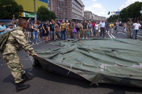 Заступники Бати закрыли Крыжеватик, устанавливают палатки (ФОТО)