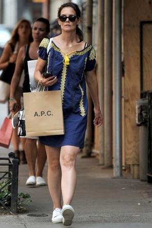 Кэти Холмс на шоппинге в Нью-Йорке (ФОТО)