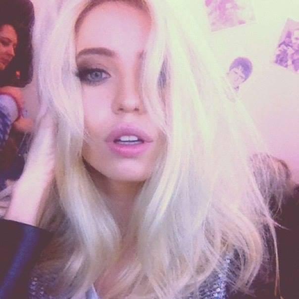 Надя Блондинка