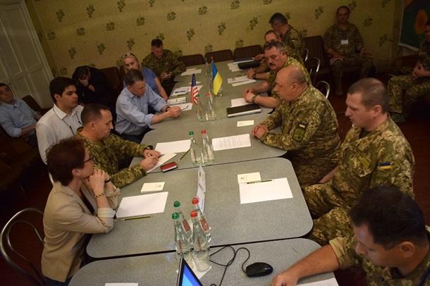 В Донбасс прибыла делегация из США (ФОТО)
