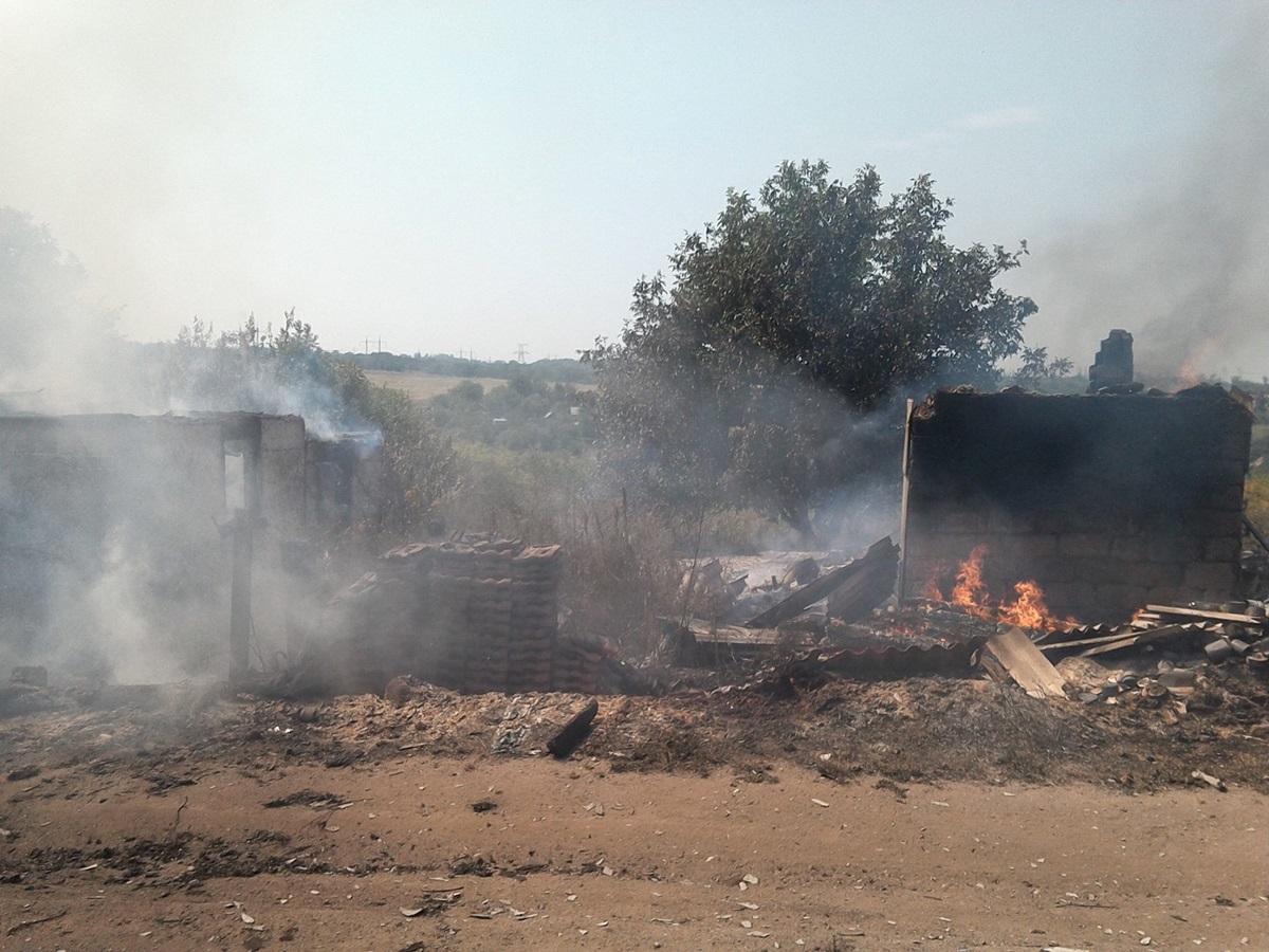 Боевики обстреляли жилые кварталы Зайцево (ФОТО)