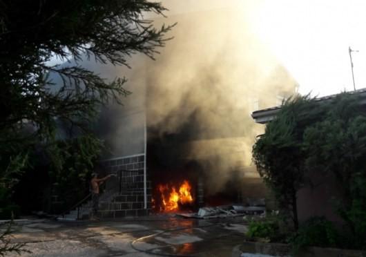 На Херсонщине сгорел трехэтажный жилой дом (ФОТО)