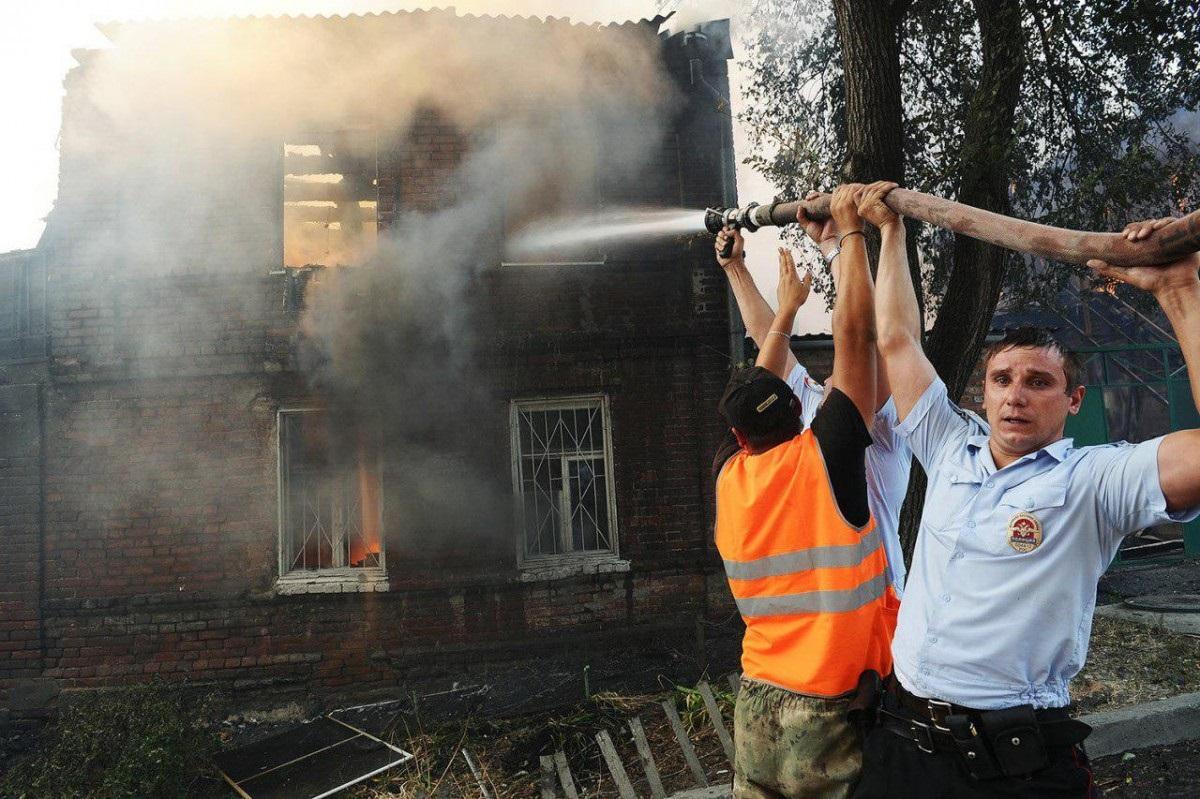 В Ростове горят 25 домов,600 чел эвакуированы (ФОТО, ВИДЕО)