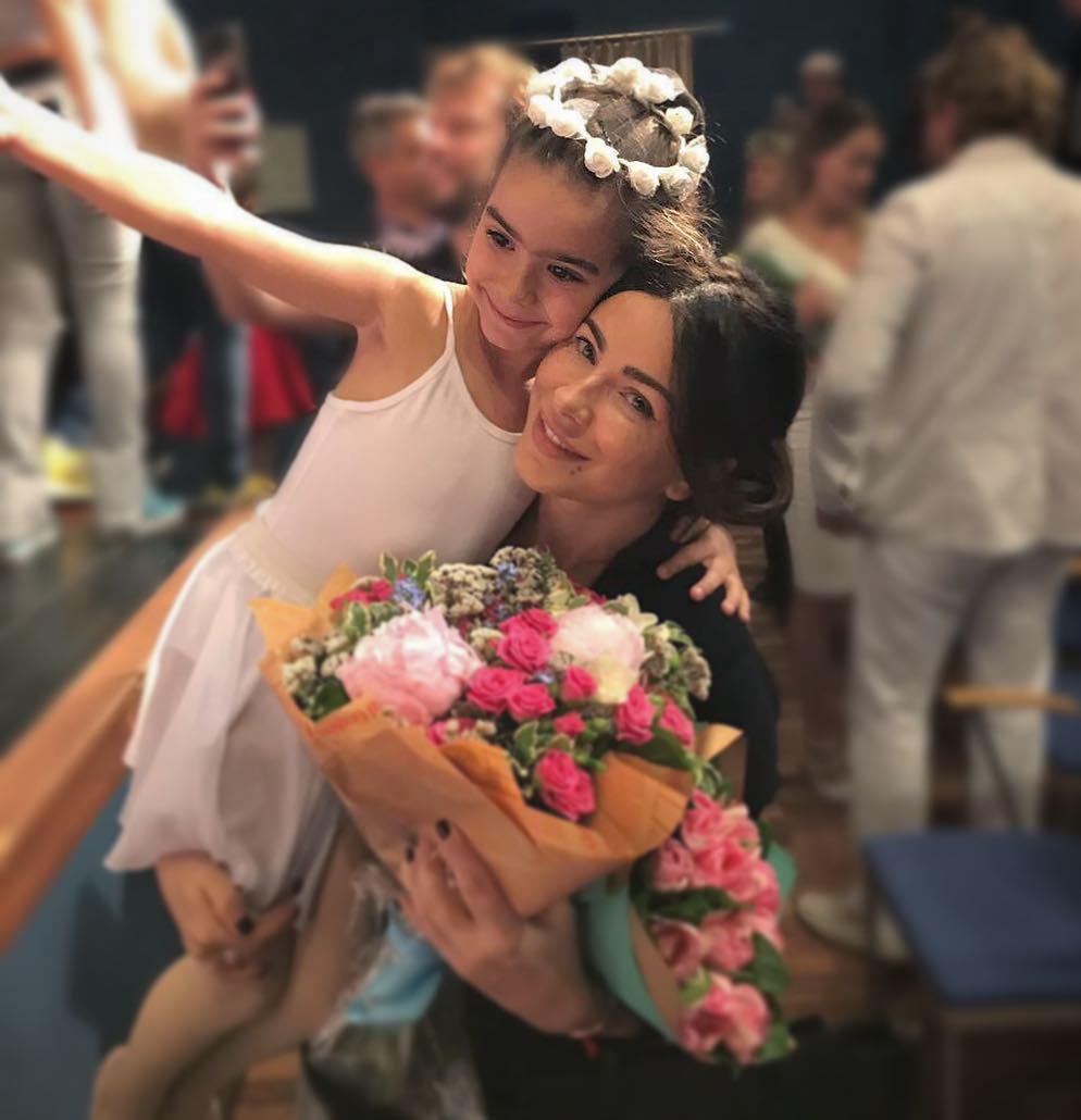 Ани Лорак объяснила, почему ее дочь не пойдет в 1-й класс