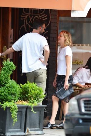 Дженнифер Лоуренс с новым бойфрендом в Нью-Йорке (ФОТО)